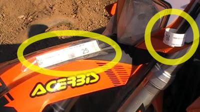Chips colocados en una moto de MotoCross